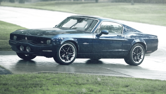 Blue Equus BASS 770 in the rain